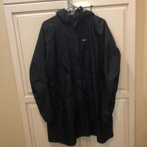 Long Patagonia torrent shell raincoat